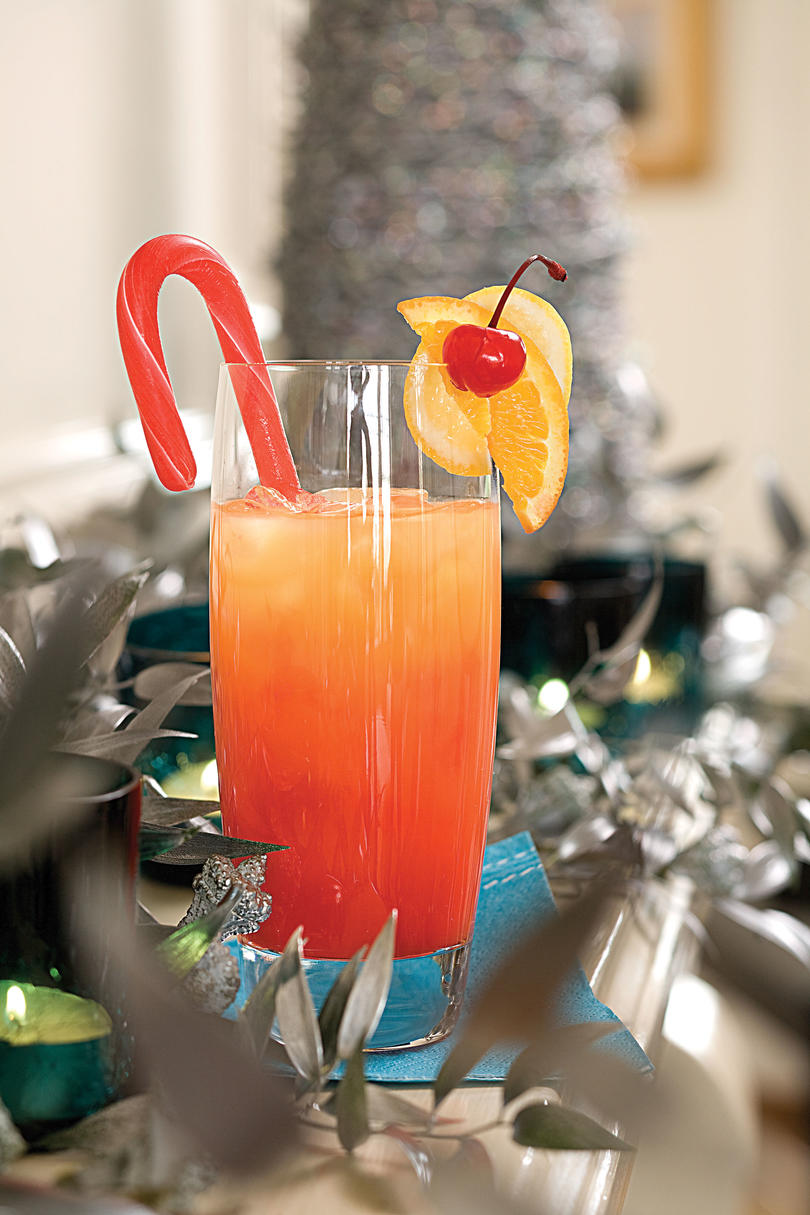 40+ Holiday Cocktails & Drinks - Christmas Cocktail ...